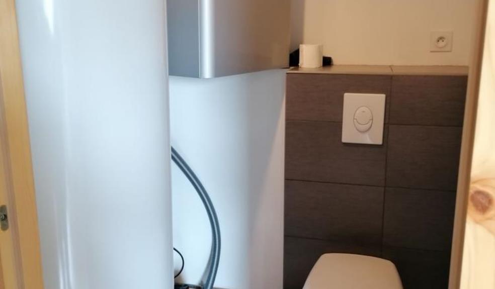 HLO53-toilettesgitecinqstours