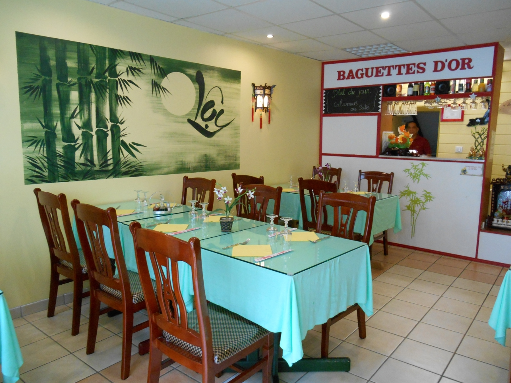 https://cdt53.media.tourinsoft.eu/upload/Resto-les-Baguettes-d-Or-e-SPRIT.JPG